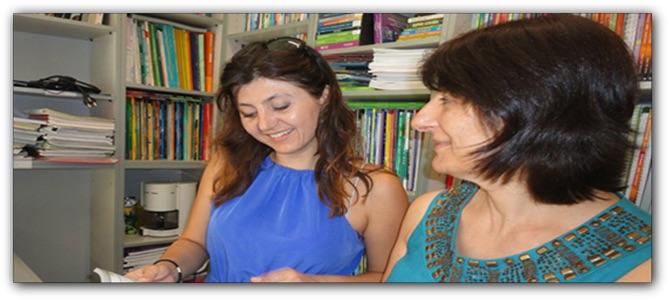 Η Μαγδαληνή Φασουλή με καθηγήτριά της